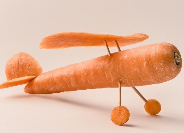 Carrot_plane_Domenic_Bahmann.jpg