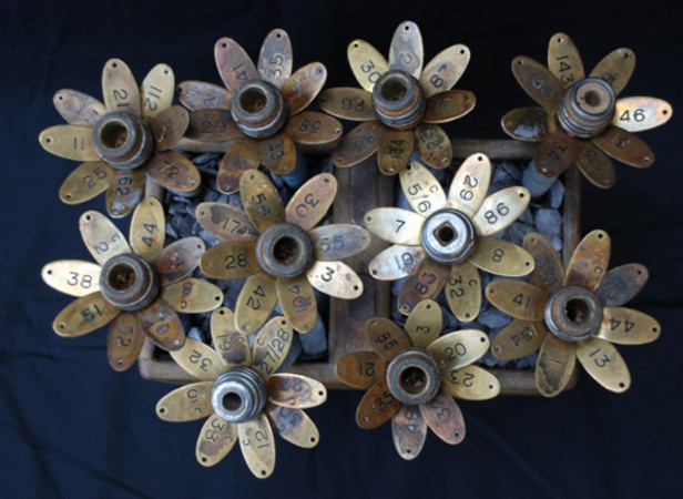 Brass Flower Set